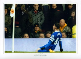 Signed Brian Oviedo Everton Photo