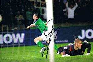 Signed-David-Healy-Northern-Ireland-v-England-Autograph-Photo-271884872580