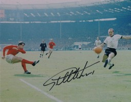 Signed-Geoff-Hurst-England-1966-World-Cup-Final-Autograph-Goal-Photo-Wembley-281706434875